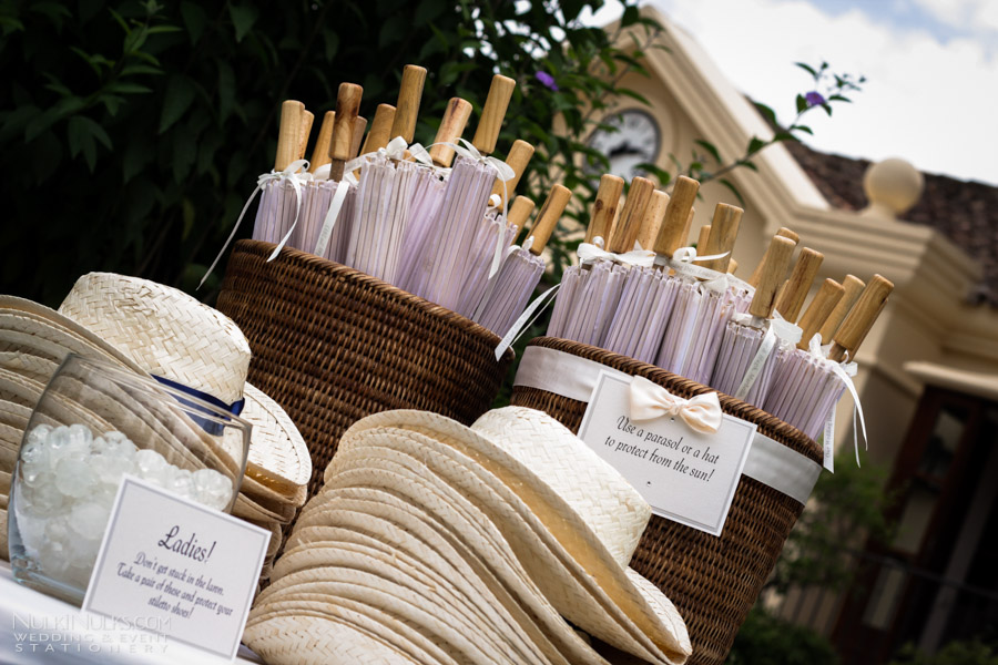 Favour Station of hats and parasols