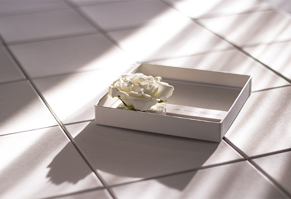 Box-presented Wedding Invitations